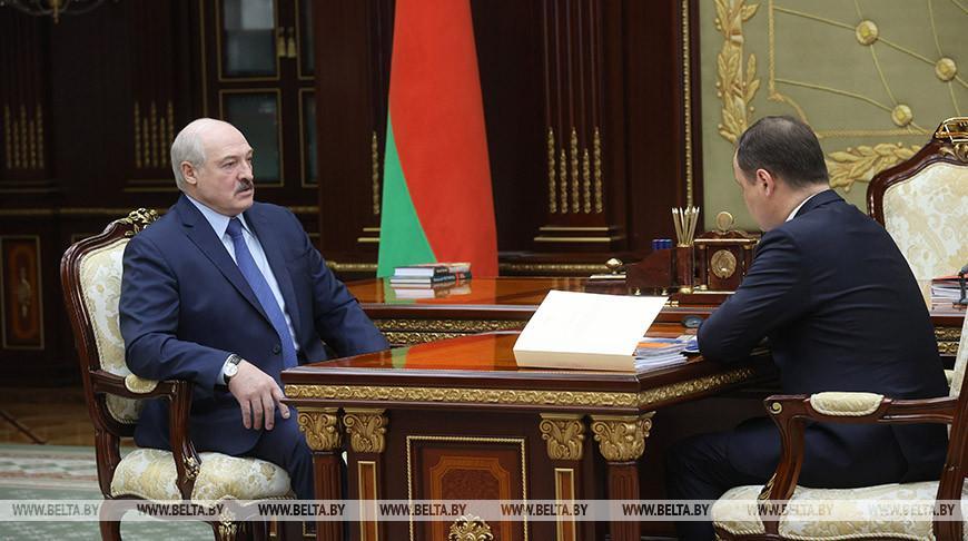 Лукашенко принял с докладом Головченко