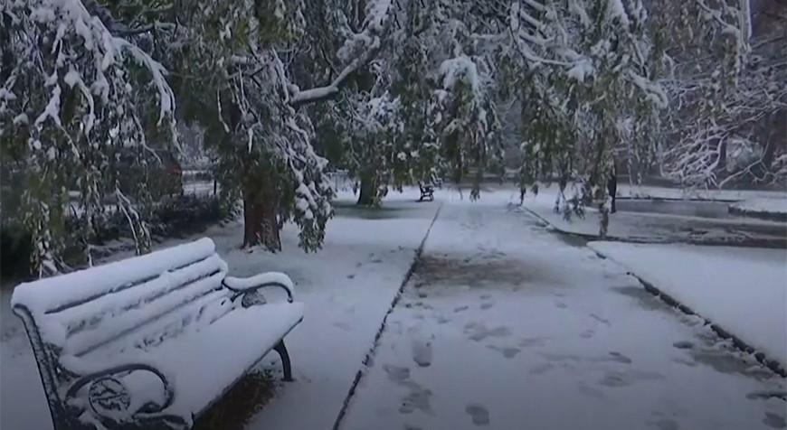 Снег и лед обрушились на Австралию