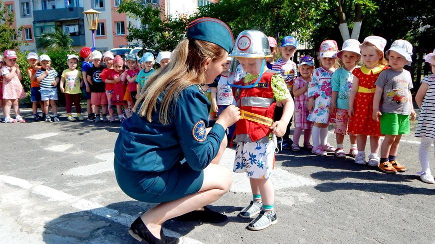 Спасатели провели урок безопасности для дошколят