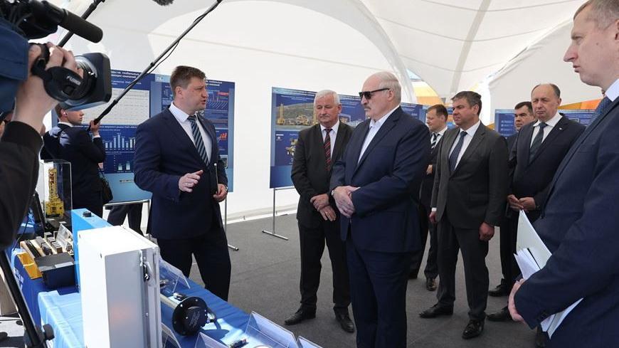 Лукашенко ознакомился с инновациями при добыче щебня на «Граните»