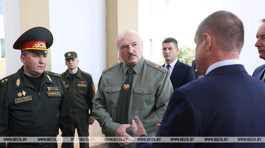 Лукашенко провел встречу по вопросам территориальной обороны