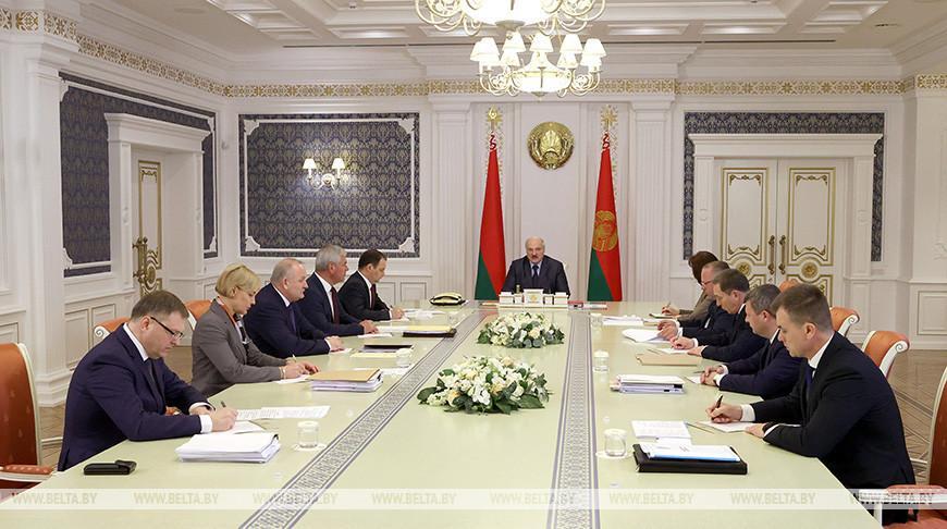 «Это экономическая конституция страны» — у Лукашенко обсудили изменения в Гражданский кодекс