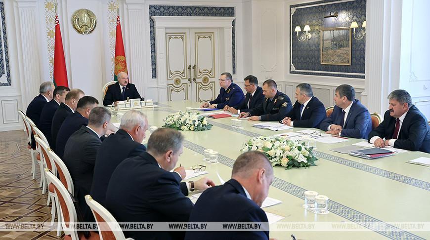 «Главное — темпы и качество» — Лукашенко поставил задачи перед аграриями в период уборочно