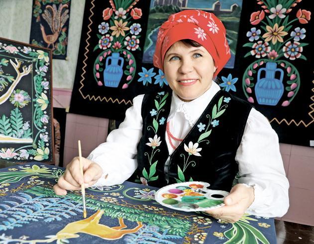 Посмотрите, какие самобытные ковры — «маляванки» изготавливает наша землячка, народный мастер Беларуси Светлана Сковырко