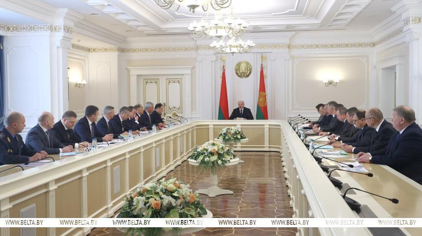 От союзных программ и экономики до национальной безопасности — Лукашенко собрал совещание с Совмином