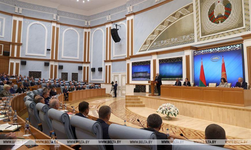 Шесть тактических направлений — Лукашенко рассказал о попытках расшатать белорусское общество