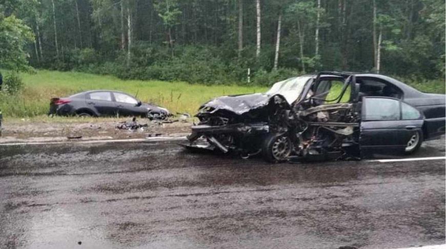В Мозырском районе спасатели деблокировали водителя легковушки