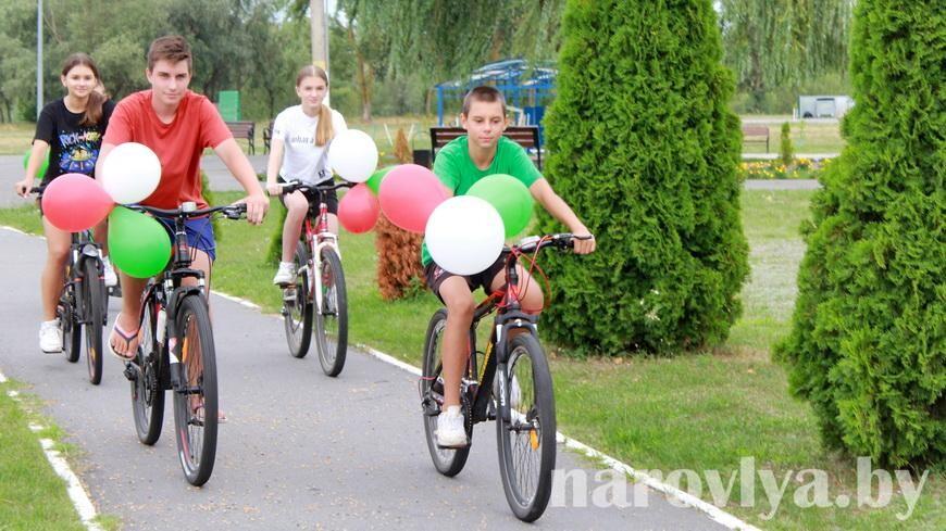 Ни дня без движения. Молодежь Наровли активно проводит лето