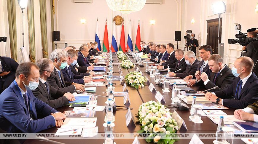 Лукашенко и Путин согласовали 28 союзных программ