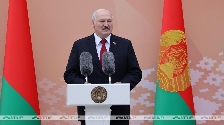 Александр Лукашенко открыл новую школу в Бобруйске